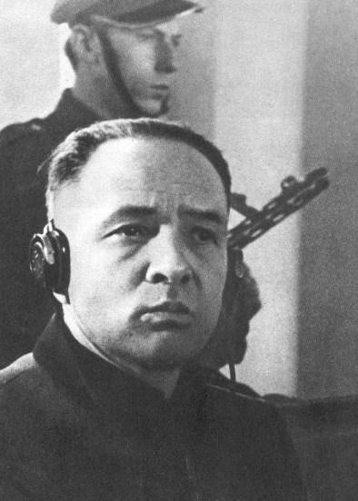 Rudolf Höss während des Ausschwitz-Prozess in Warschau, 1946 (Quelle: Polska Agencja Prasowa)